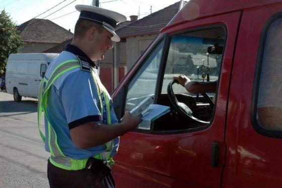 Photo of La volanul unei autoutilitare cu permisul suspendat!